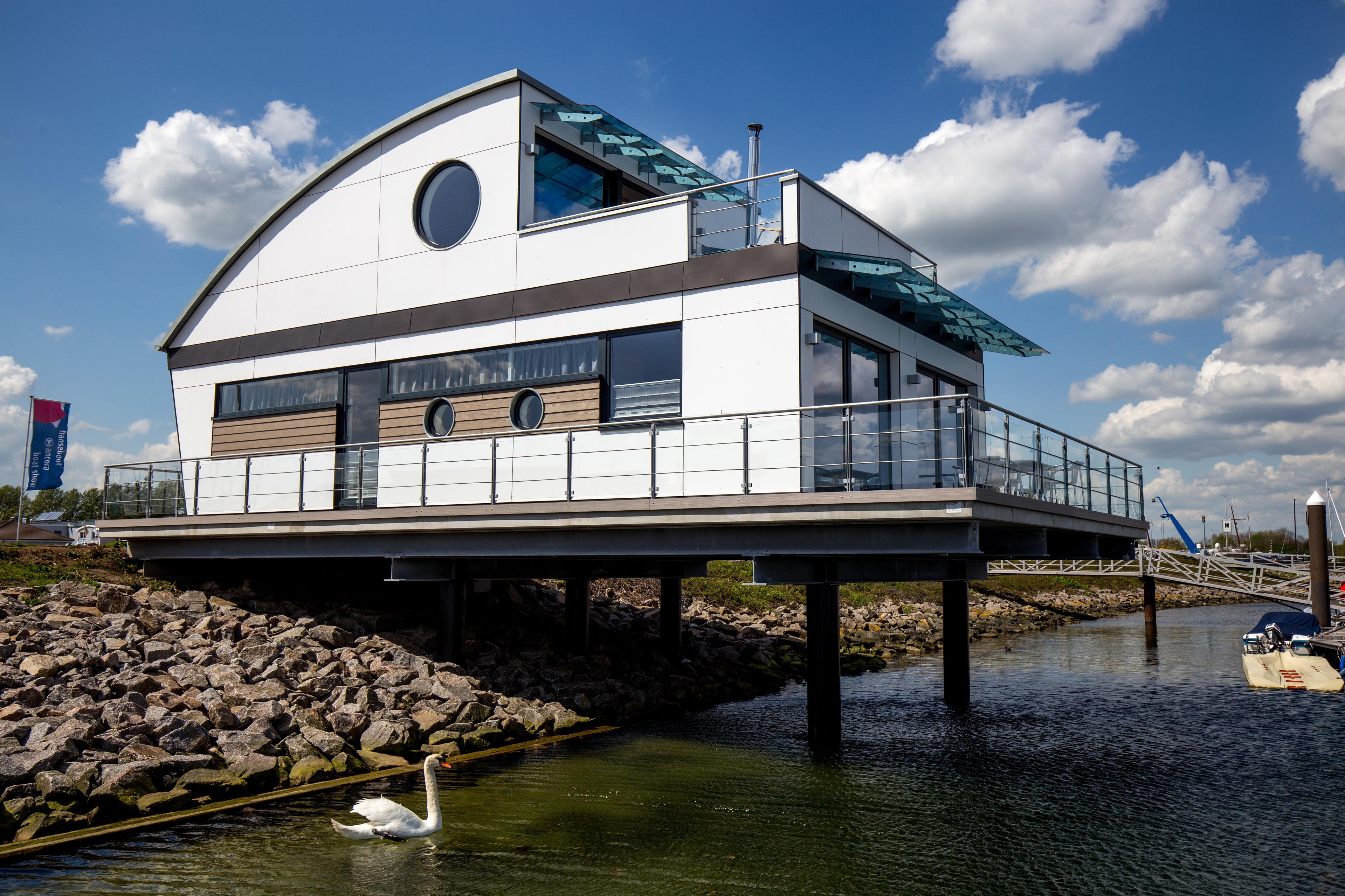KYST 54°10 Floating Home 1 Ferienhaus in Thüringen