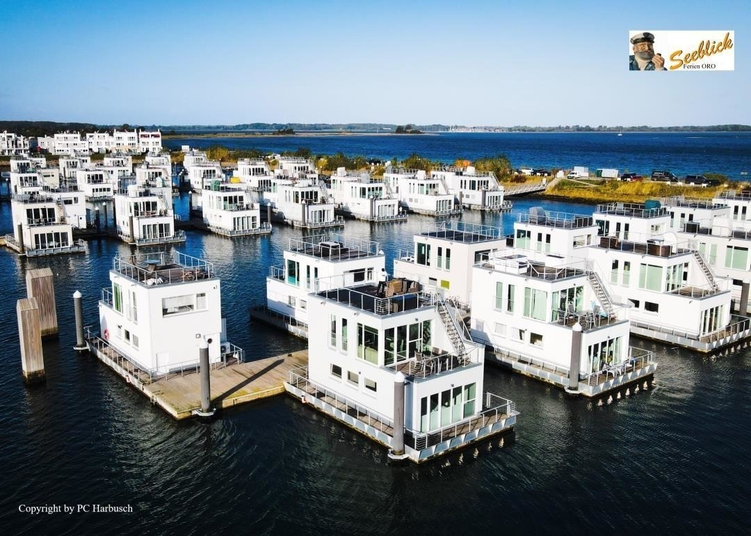 Schwimmendes Haus/ Hausboot ANTARES ONE Ferienhaus an der Ostsee