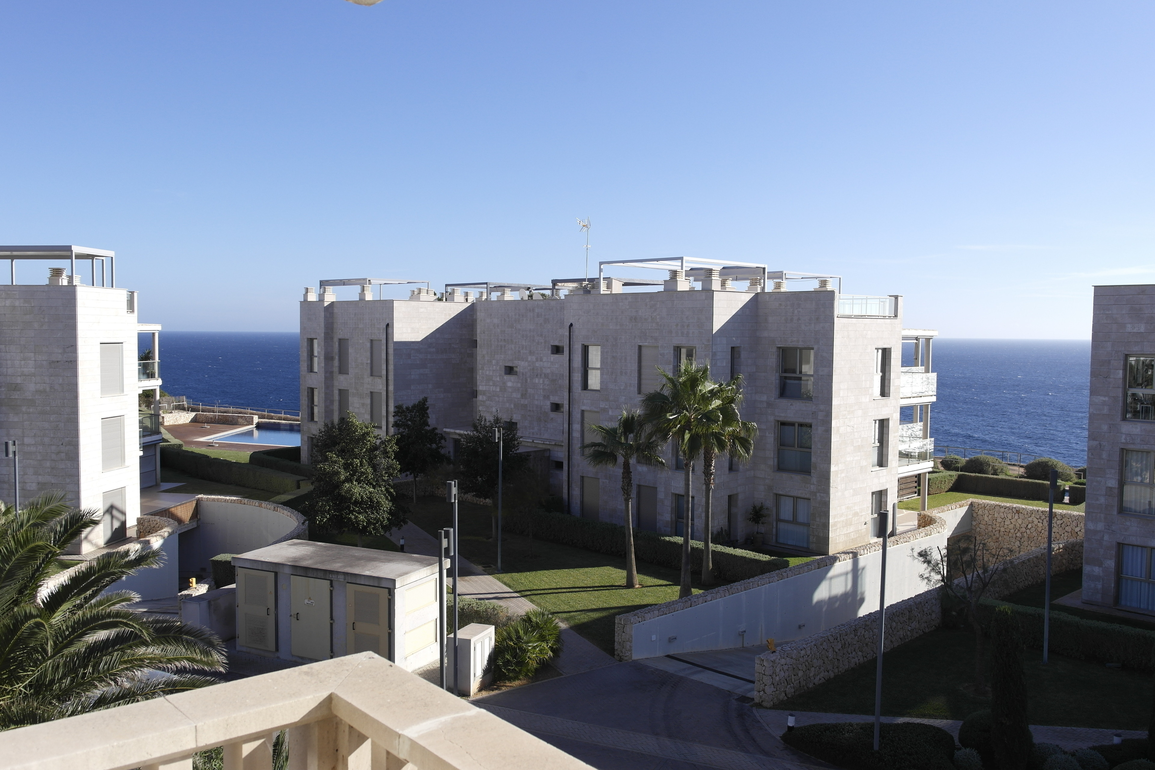 Apartment für 4 mit Balkon WLAN Pool 250m zum Meer