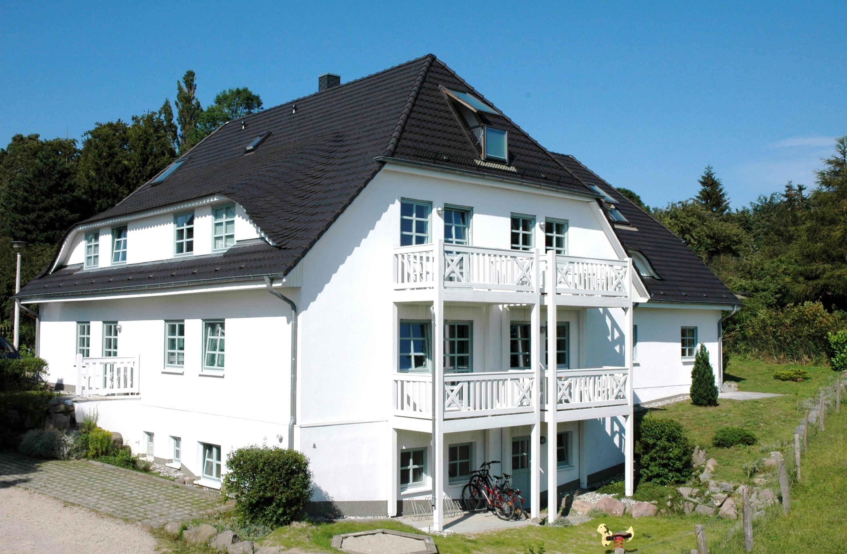 Südstrand ,Meerblick Schwimmbadnutzung, 2 R&a Ferienwohnung auf Rügen