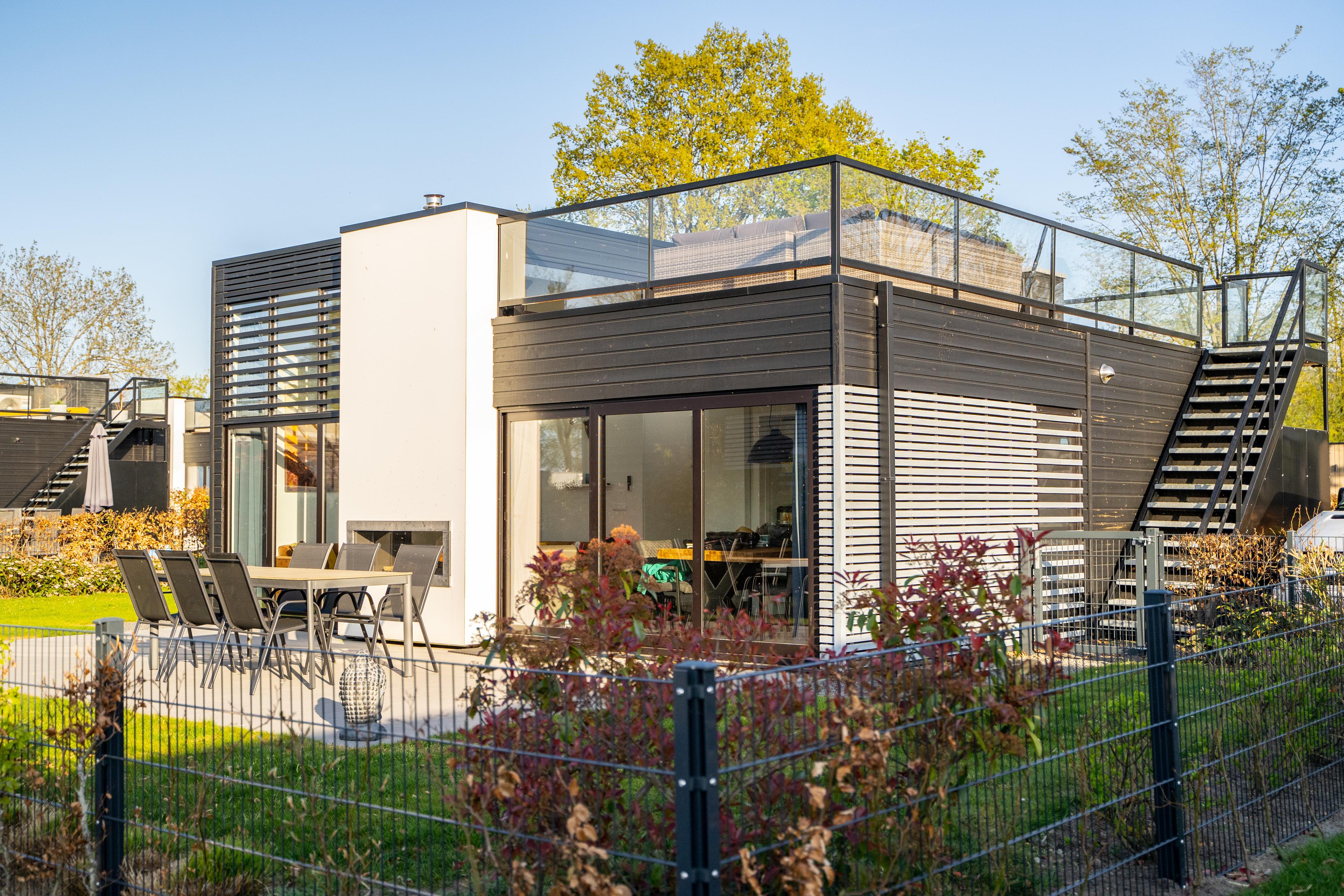 Excellent Cube mit Dachterrasse. Meerblick und Str Ferienhaus in den Niederlande